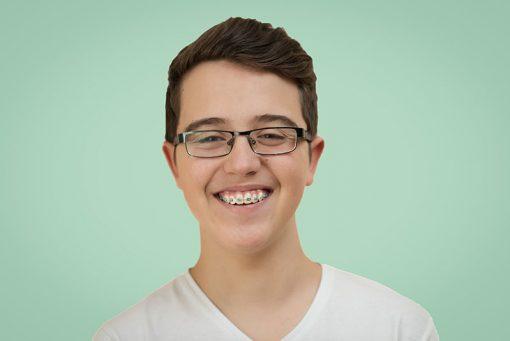 Zahnspange Teenager_bearbeitet